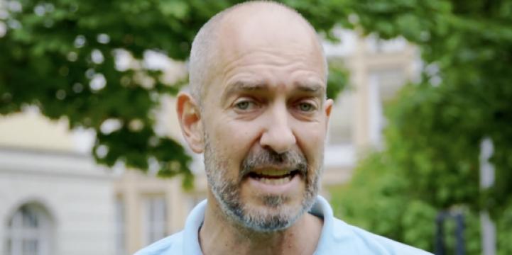 Porträtbild Stefan Straßer